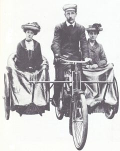 Mills & Fulford, double side car from 1903.